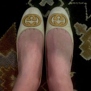 Gucci Logo Cream and Yellow Ballet Flats